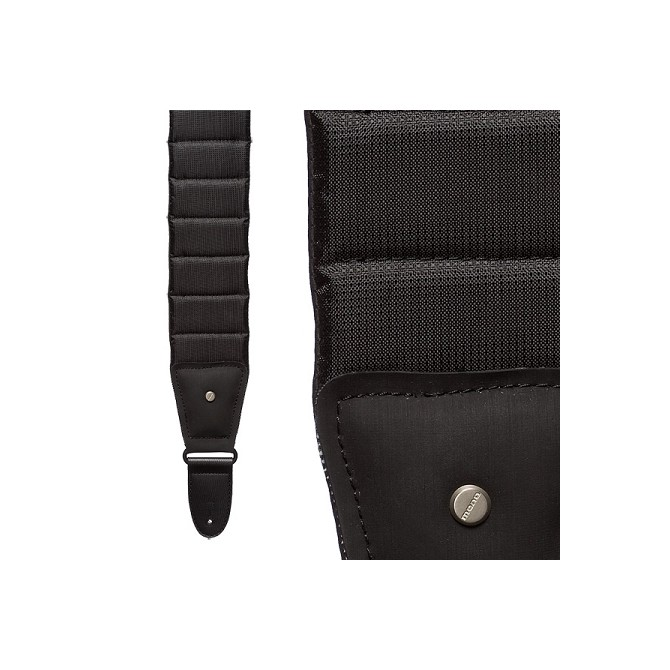 Mono Case Strap M80 Betty Jet Black (Long) Sharkskin